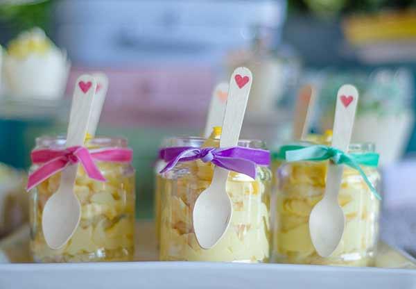8ffc0d33e629 7+2 Εναλλακτικές ιδέες για να γλυκάνετε τους καλεσμένους σας στη βάπτιση  του μικρού σας