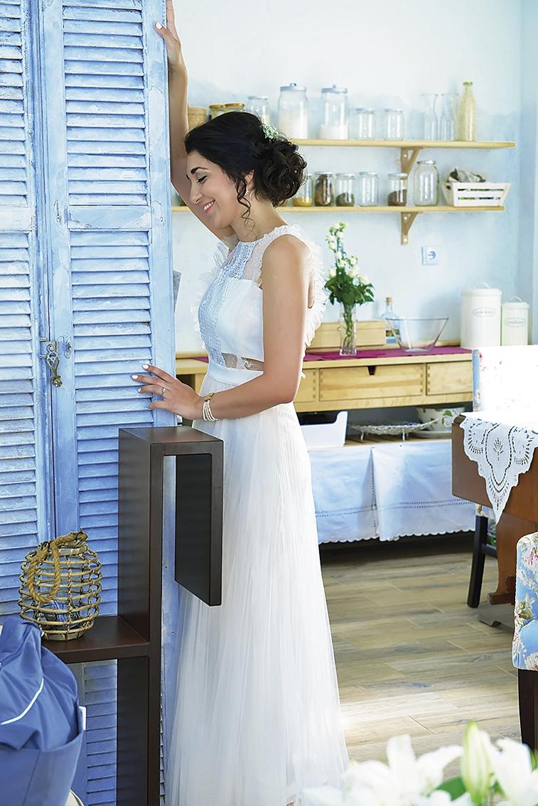 φωτογράφηση από τις στιγμές της προετοιμασίας της νύφης