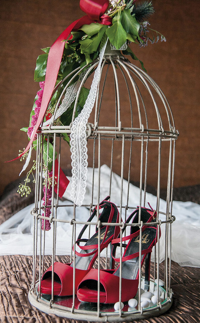 κόκκινο πέδιλο της νύφης