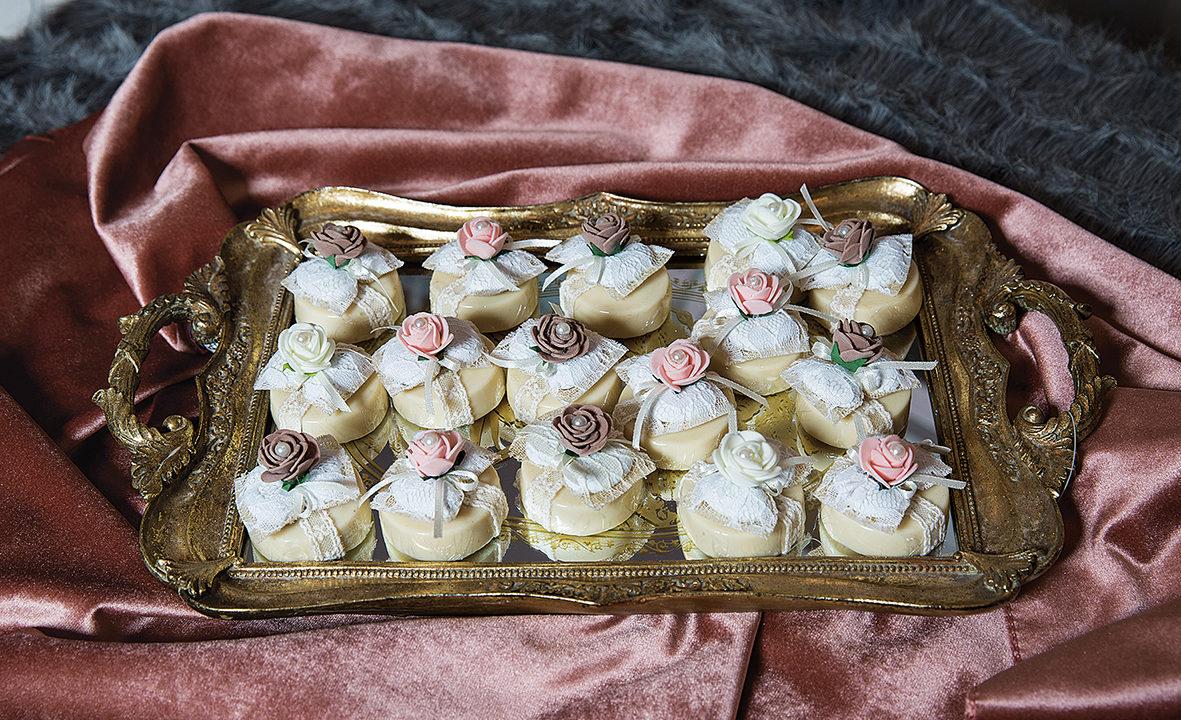 γαμήλια τούρτα τα γλυκά του γάμου