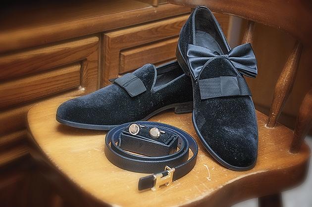 παπούτσια και αξεσουάρ του γαμπρού