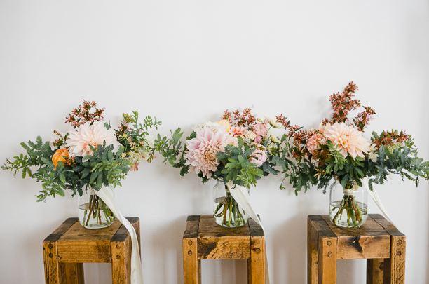 Στείλτε λουλούδια ή σαμπάνια